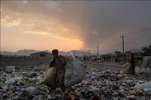Chuyện bán con ở Afghanistan