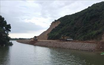Bình Định: Ðổ đất lấp sông Hà Thanh trước khi có hồ sơ thiết kế