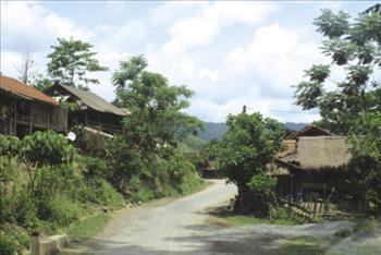 Đồng bào Khơ Mú ở biên giới Việt - Lào khát... điện