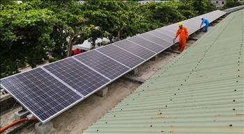 PC Phú Yên lắp đặt điện mặt trời áp mái tại các cơ sở Điện lực trực thuộc