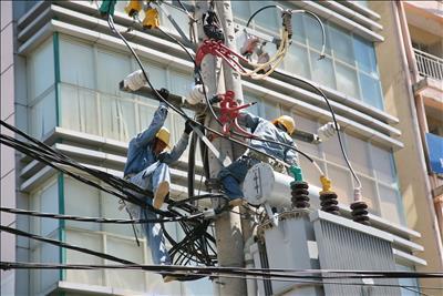 EVNHCMC đảm bảo cung cấp điện an toàn trong mùa mưa bão