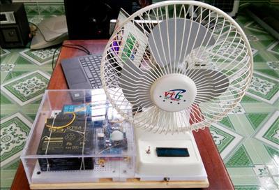 Huế: Học sinh cấp 3 chế tạo quạt điện sử dụng năng lượng mặt trời