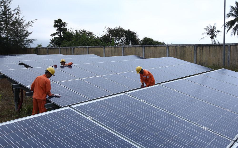 Hơn 3.200 kWp điện mặt trời áp mái đã vận hành tại trụ sở các đơn vị trực thuộc EVN